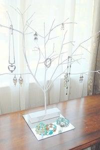 DIY Jewlery Stand / Hanger