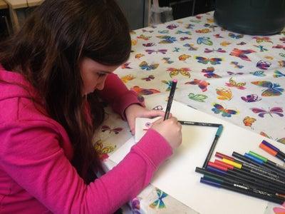 Frantic But Expert Colouring Using Edding Porcelain Brushpens
