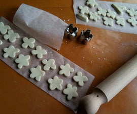 Make your own biscuit cutter from a tealight