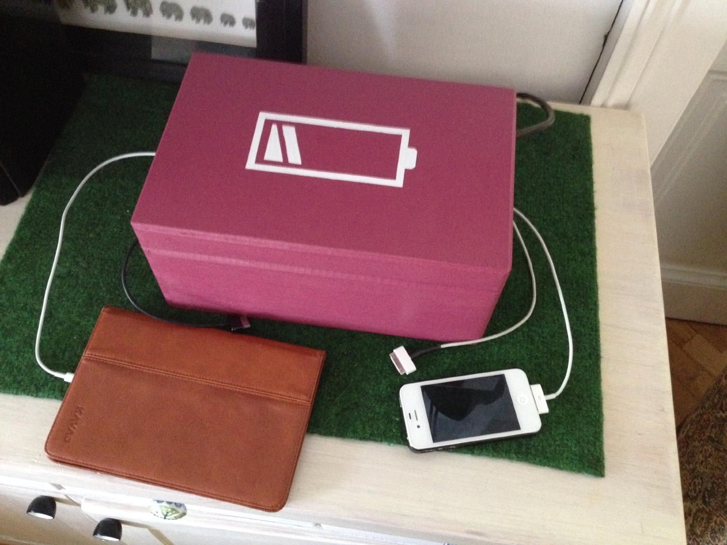 Picture of 0,- Charging Station for Phones