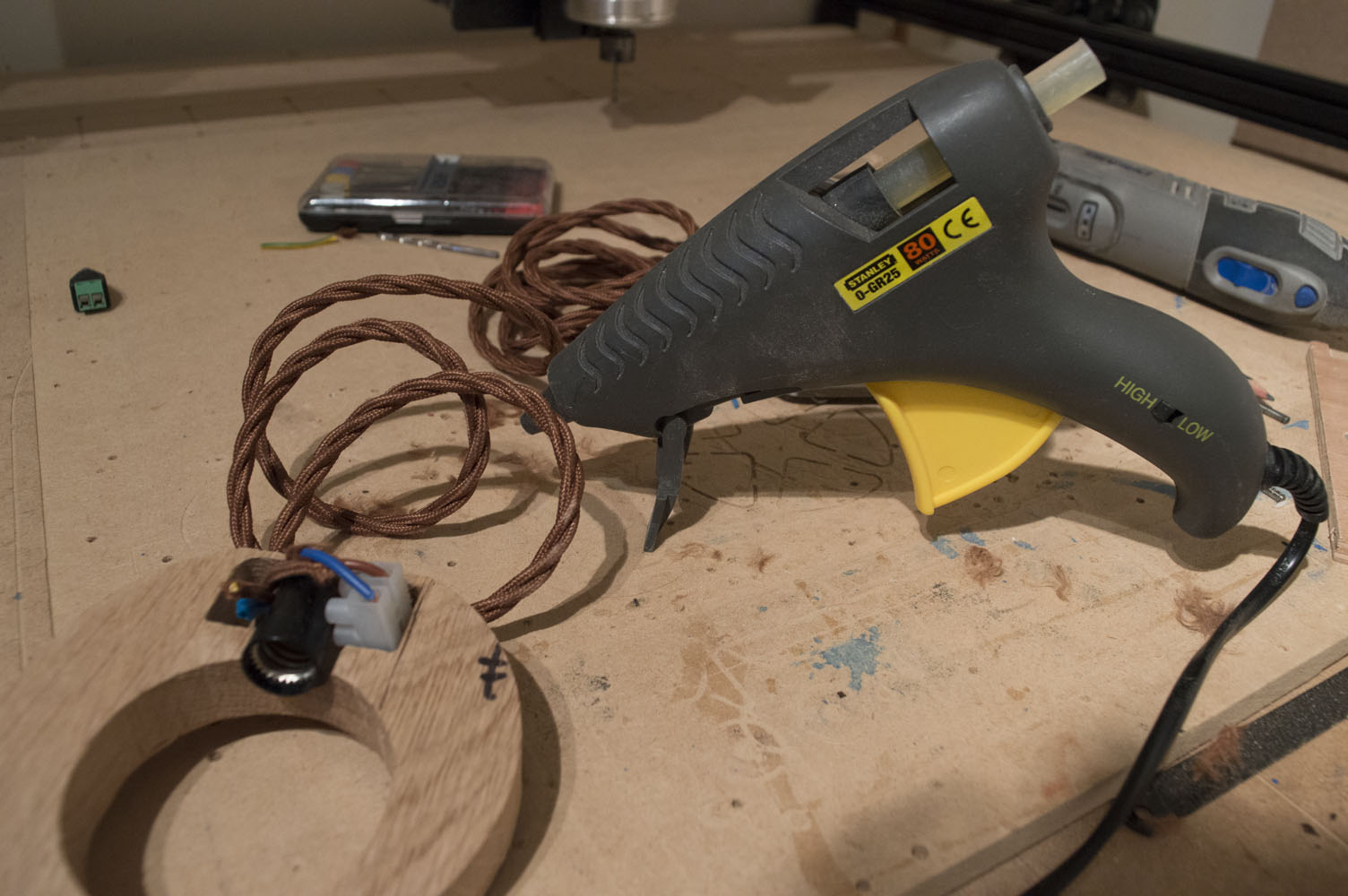 Picture of Gluing and Finishing