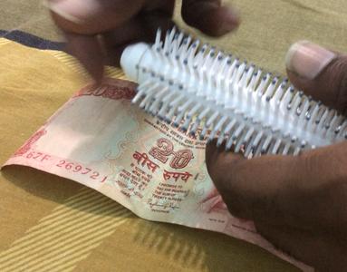 Hide Cash in Comb