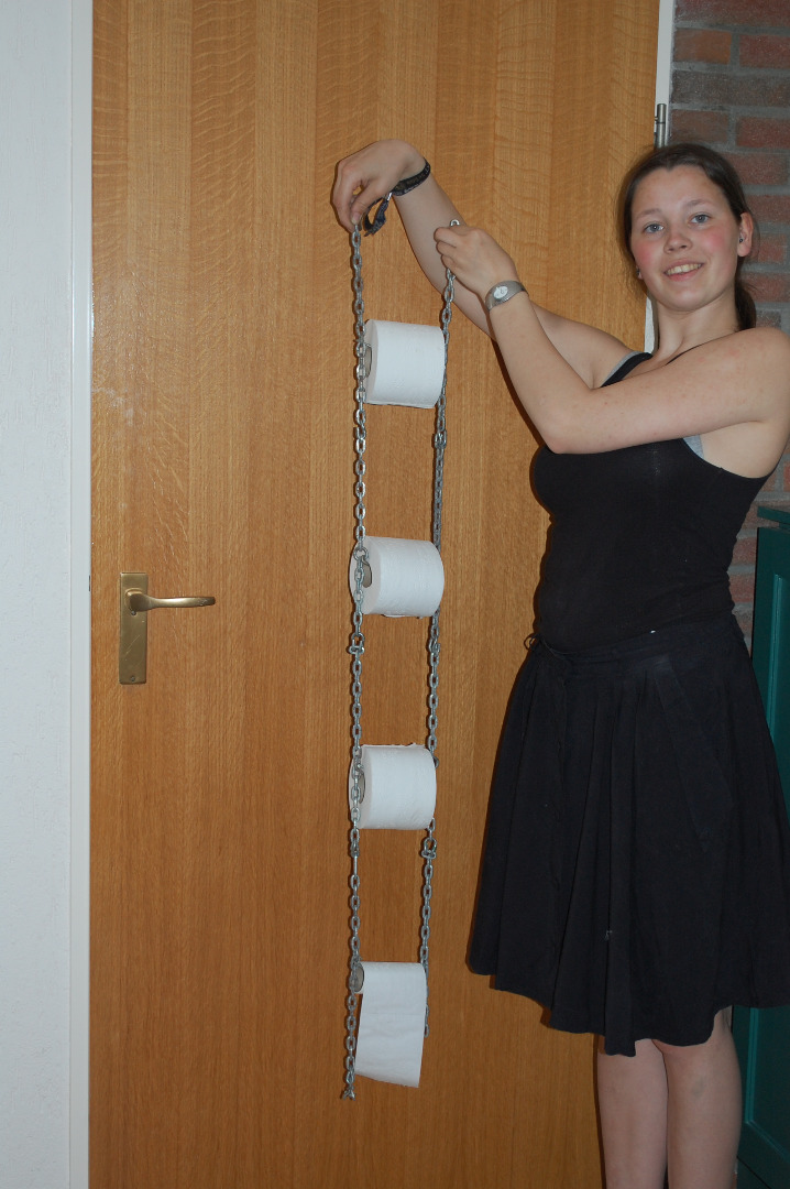 Picture of Snow-chain Toiletpaper Hanger