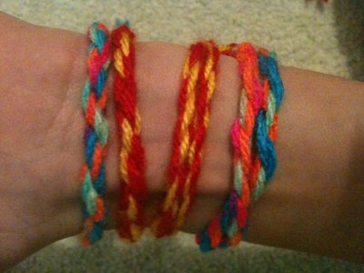 How to Make a Cool Woollen Bracelet in Under 5 Minutes!!