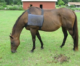 Ice pack vest for horse