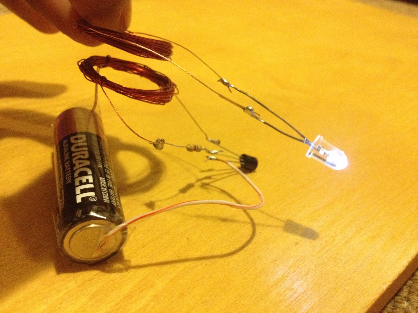 Picture of Wireless Electricity Transmission Circuit