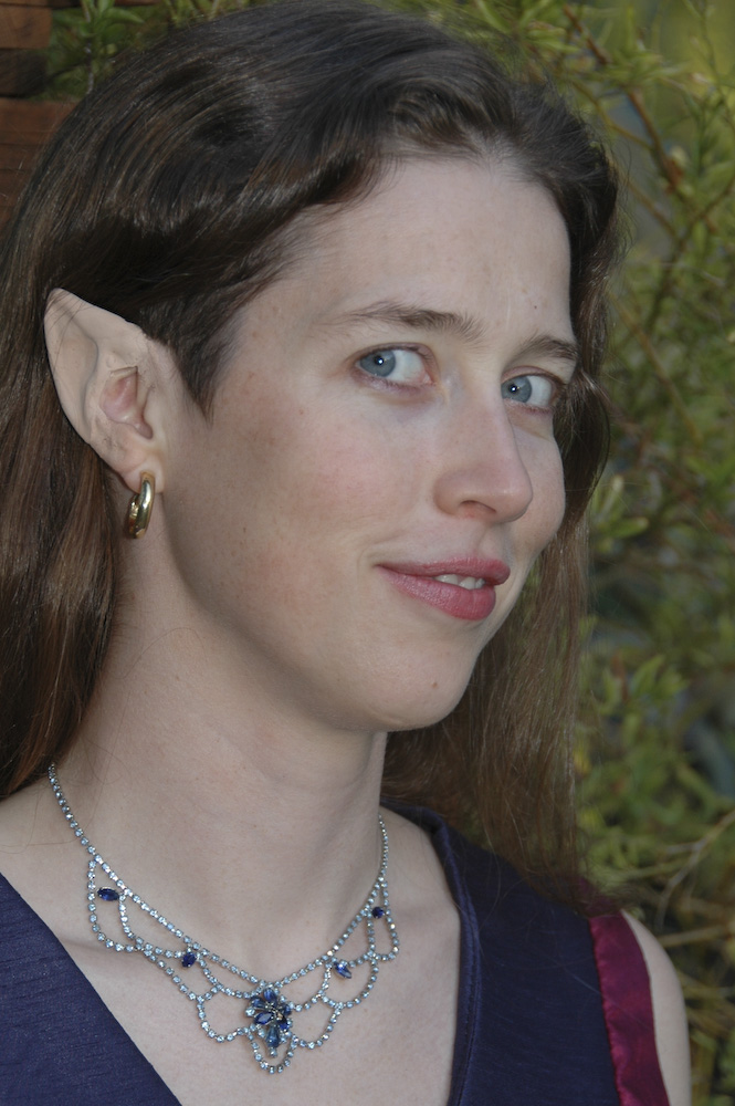 How to Apply Elf Ears: 7 Steps (with Pictures)