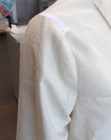 Picture of How to Sew a Set-in Sleeve With Ease