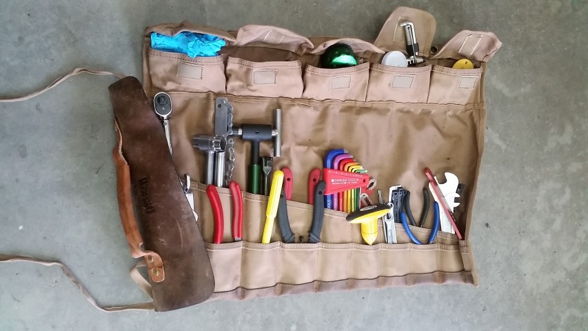 Picture of Paint Brush, Leather Tool Roll