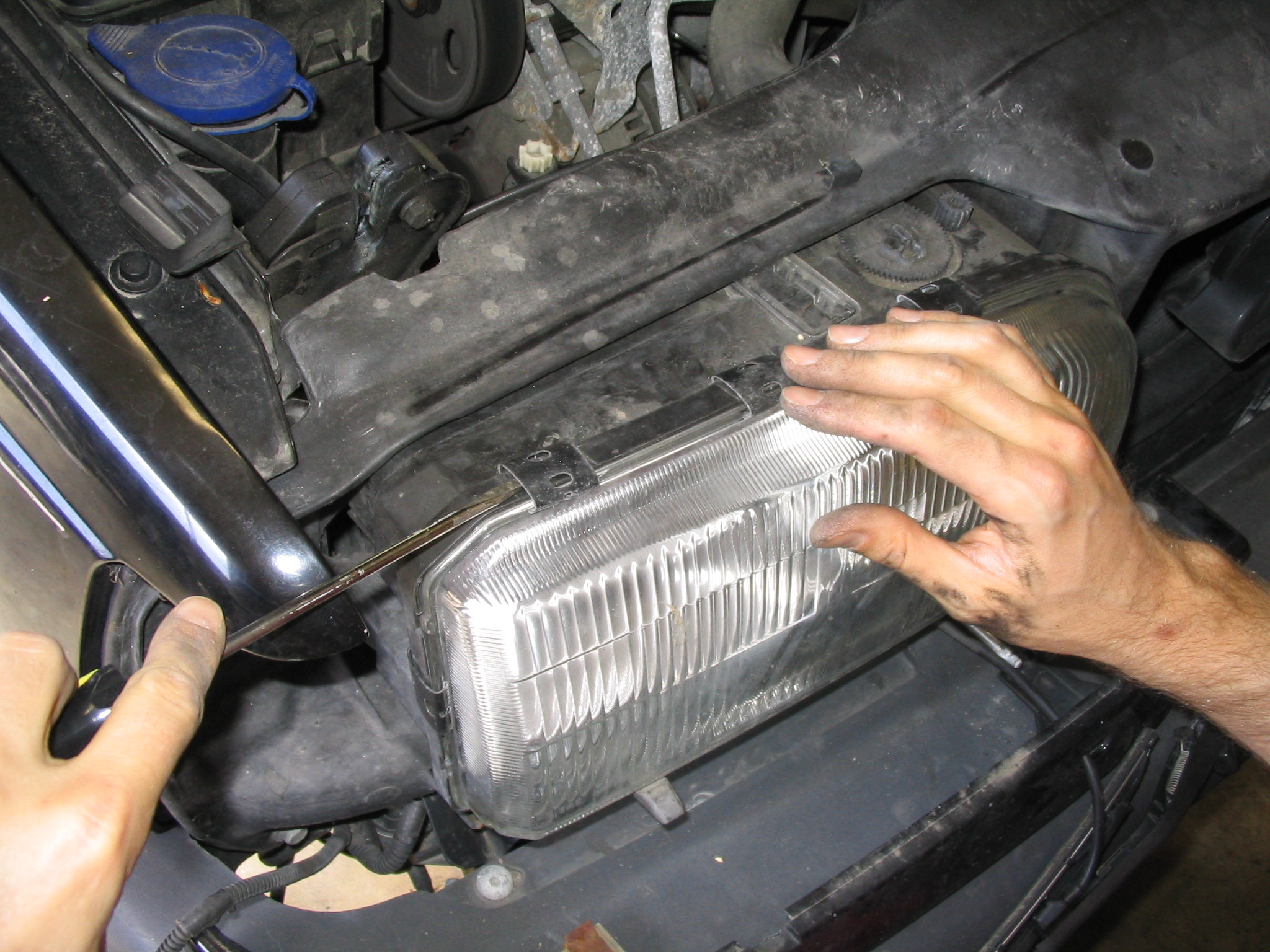 Picture of Remove Headlight Glass