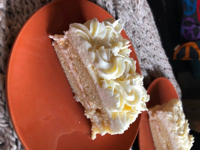 Pineapple Cake With Pineapple Buttercream Frosting