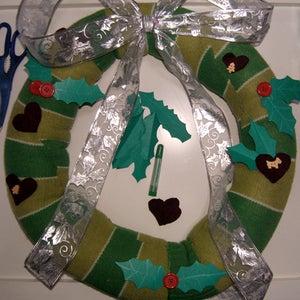 Decorate the Wreath