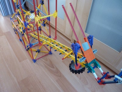 Counter Parallel Arm Lift, a Knex Ball Machine Lift