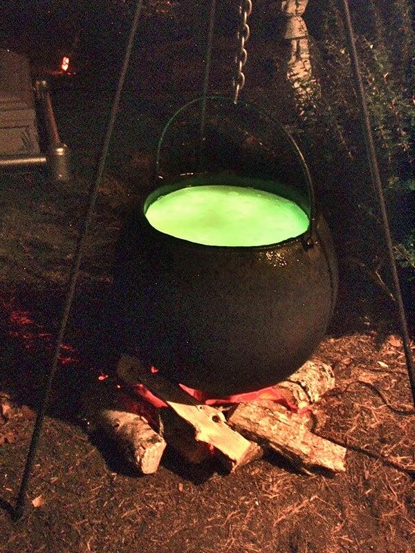 Halloween Full-size Bubbling Cauldron Prop