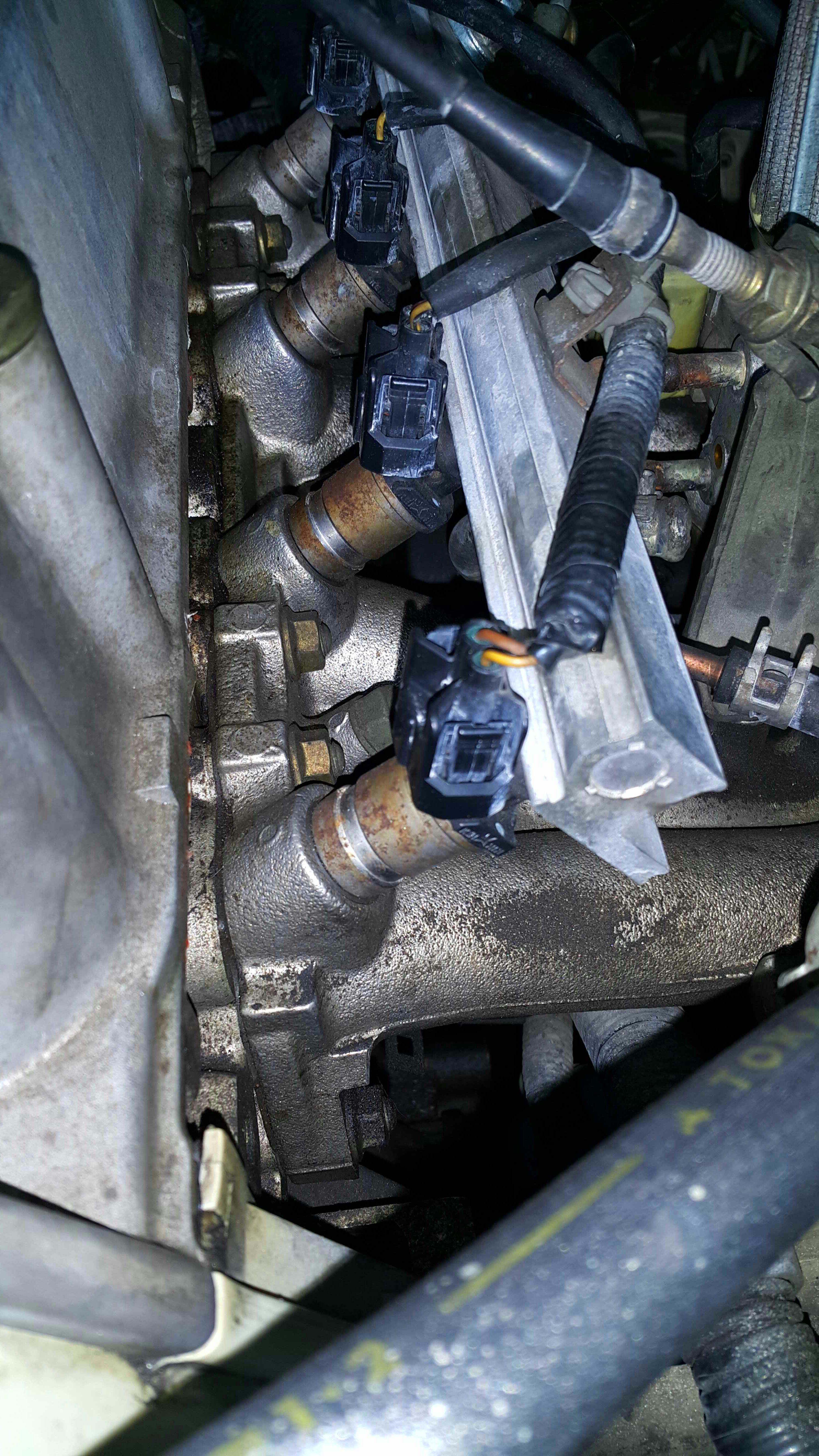 Replacing Fuel Injectors (Honda Civic 1999 D15B): 6 Steps ... on