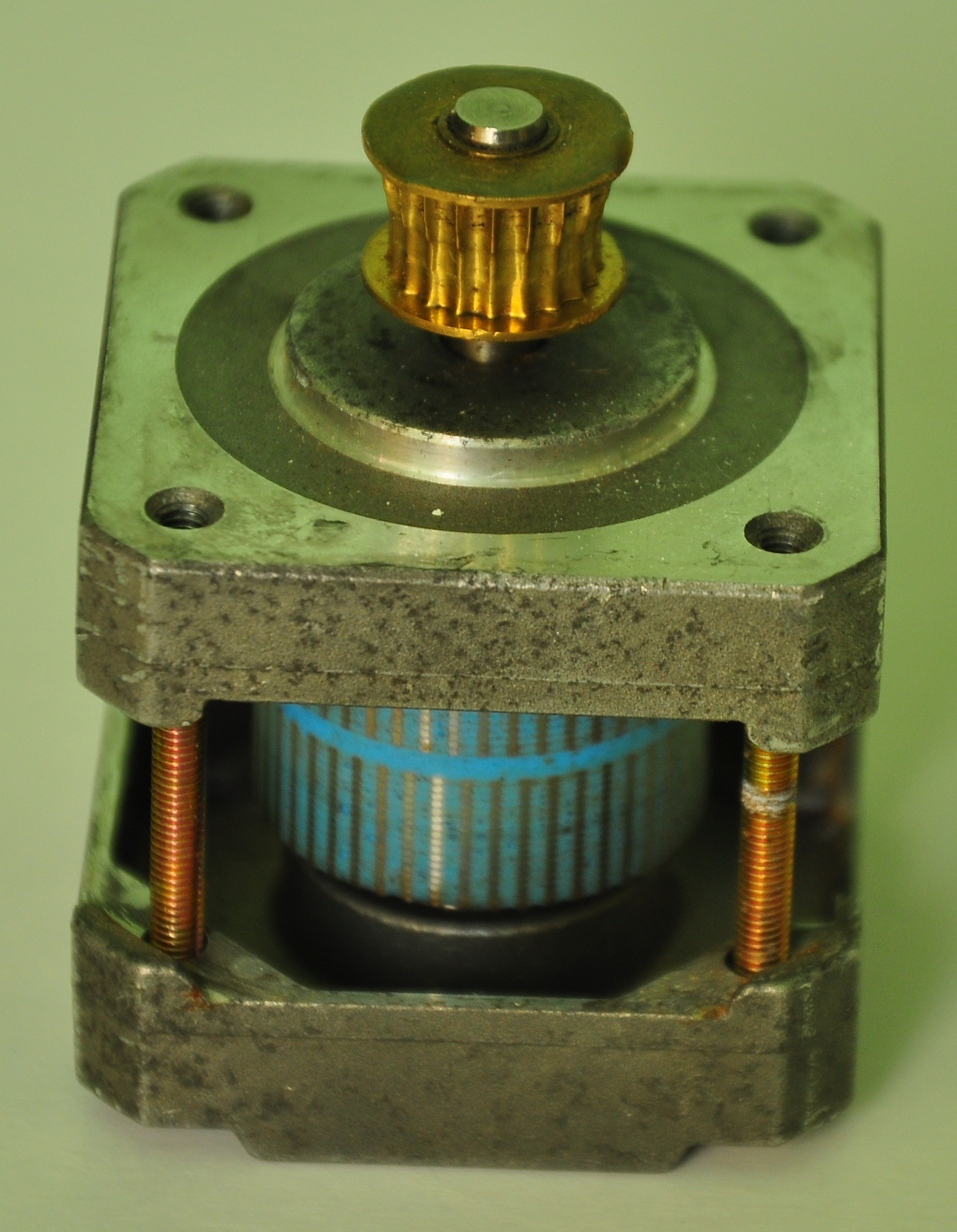 Picture of Providing Power to the Spindle