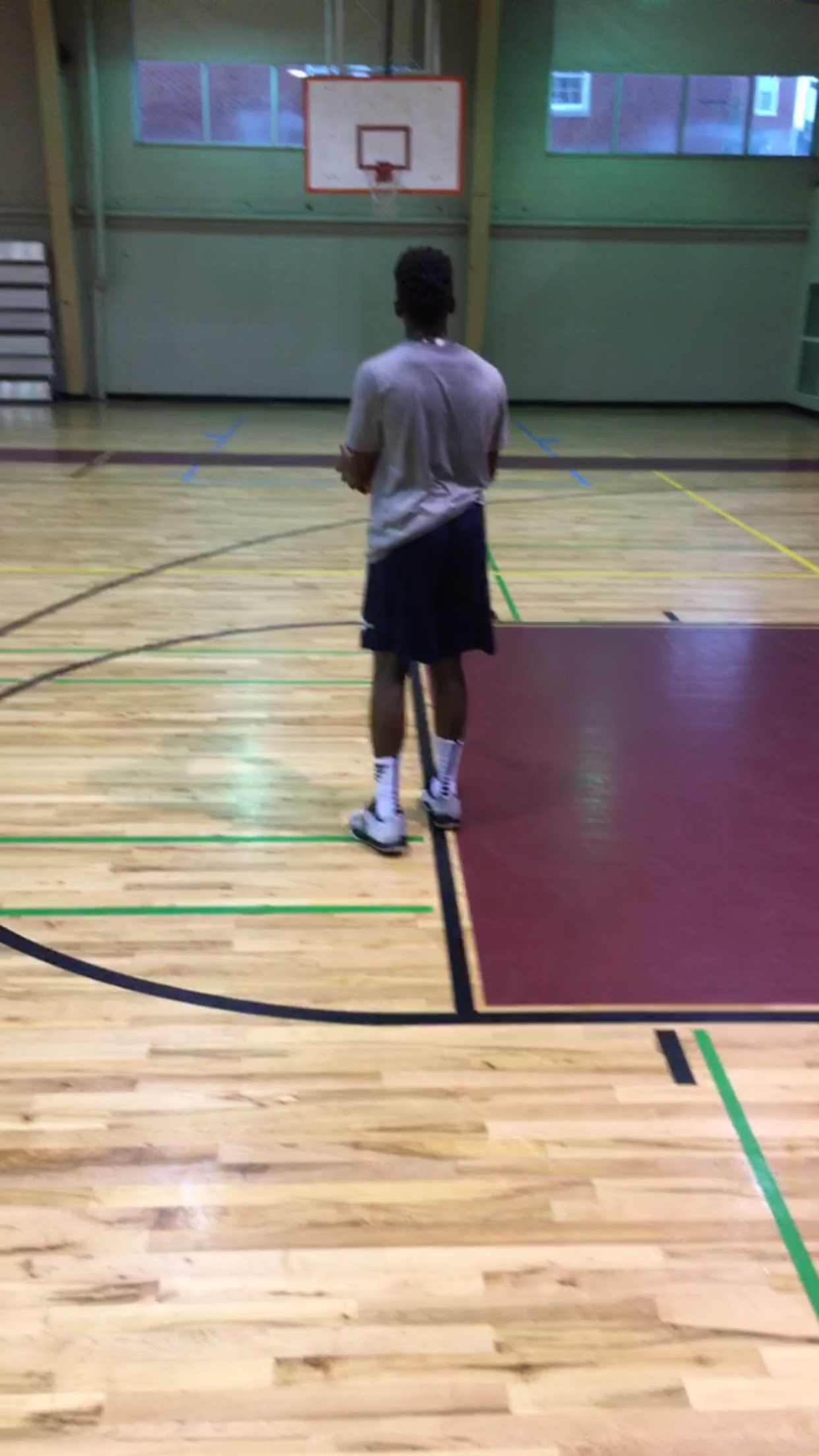 Picture of How to Make a Halfcourt Shot