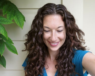 Tips and Tricks to Take Care of Curly Hair
