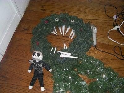Haunted Mansion Man-Eating Wreath