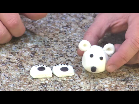 Picture of Make Polar Bear Head Feet and Other Fondant Decorations.