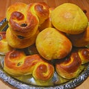Traditional Swedish Christmas Lucia Buns - Lussebullar & Lussekatter