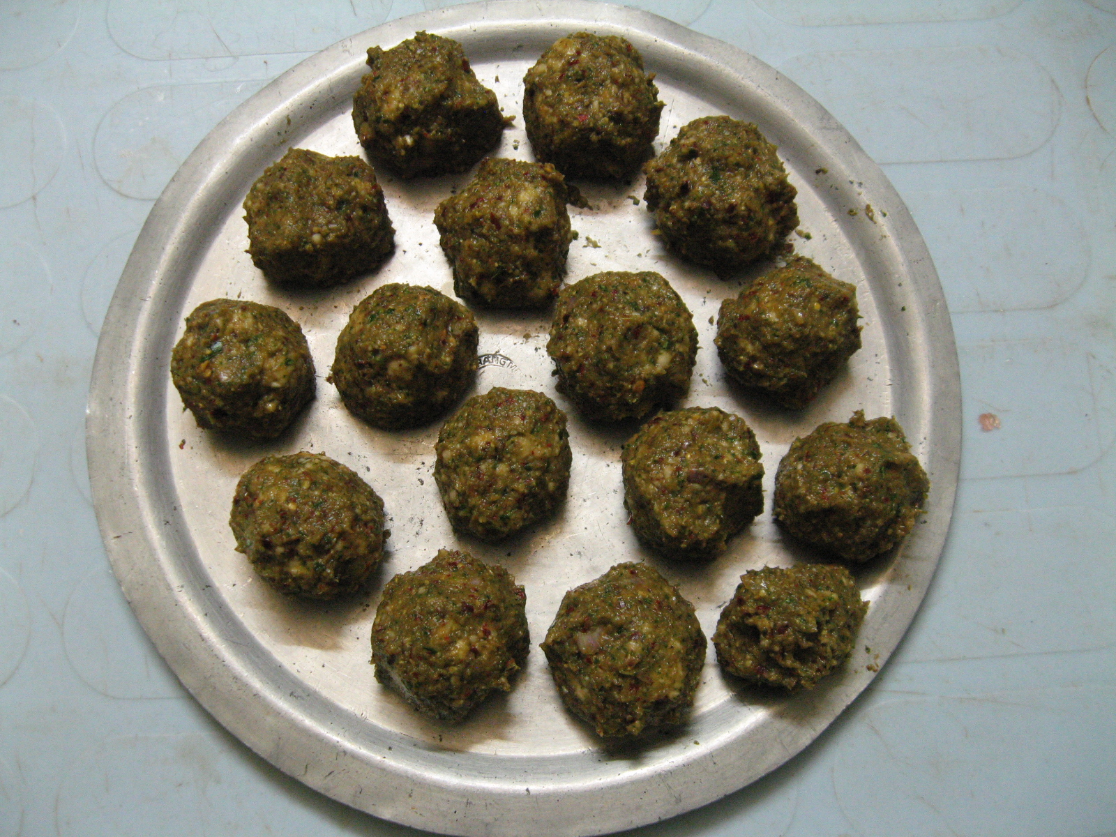 Picture of Make Onion Balls