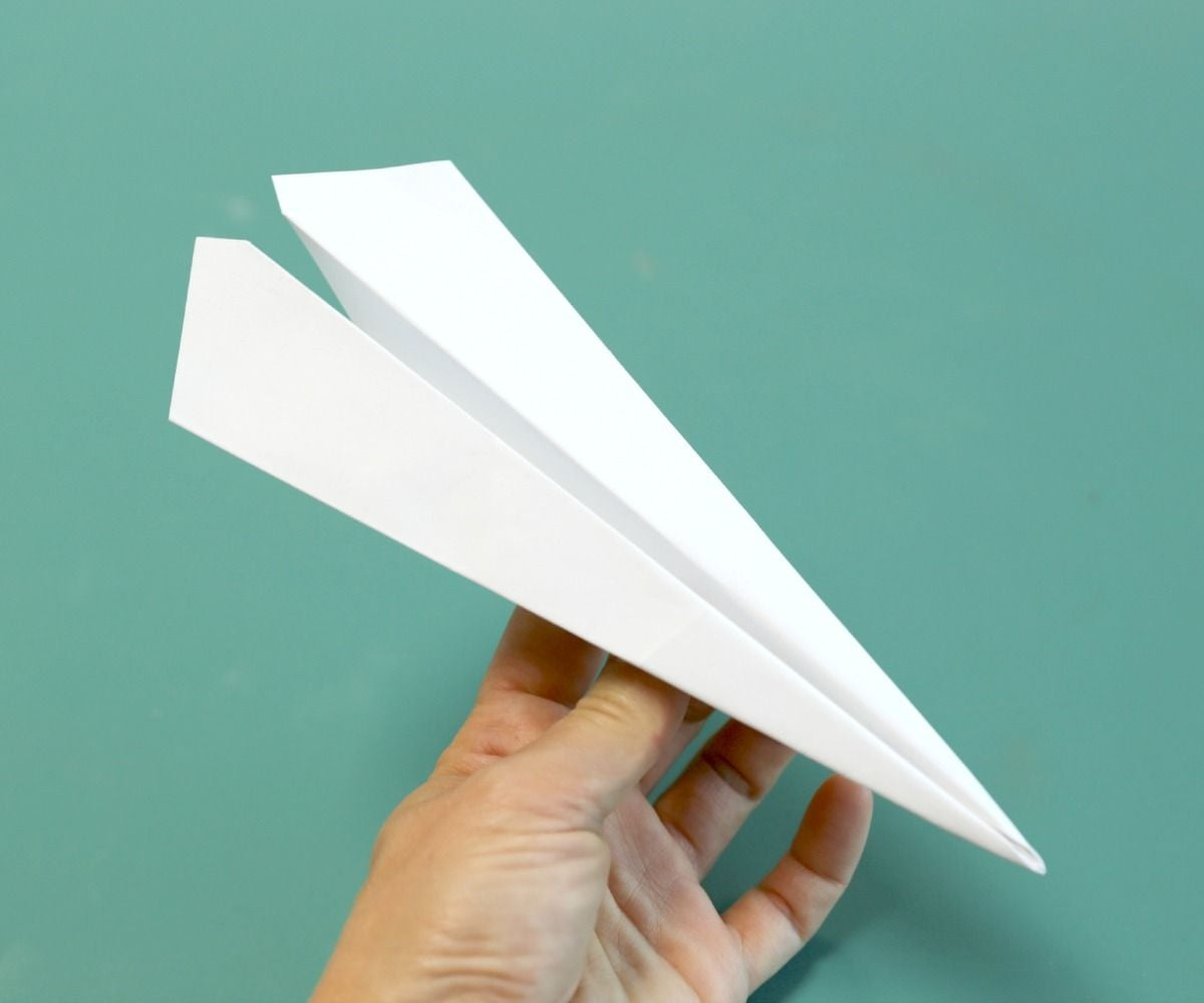 Motorize Your Paper Airplane « Remote Control Vehicles :: WonderHowTo | 1000x1200