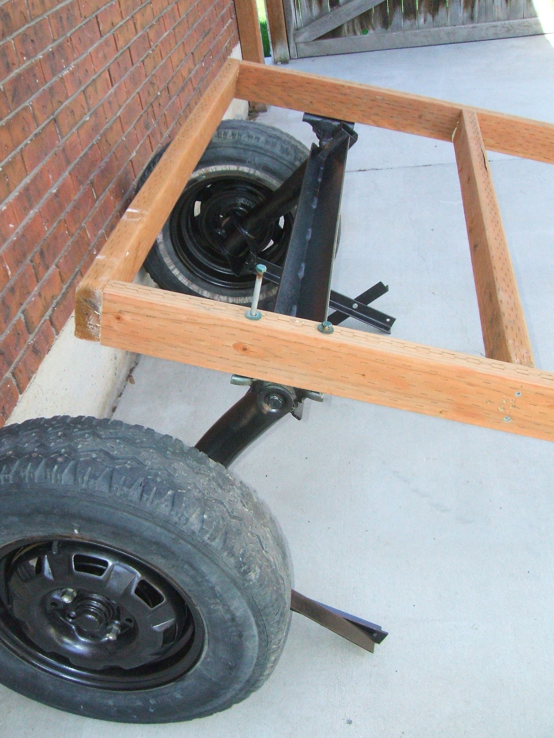 Picture of Secure Frame to Rear Axle Mounts
