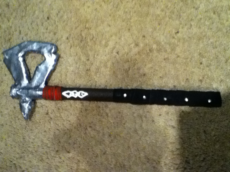 Picture of Assassins Creed 3 Tomahawk Replica