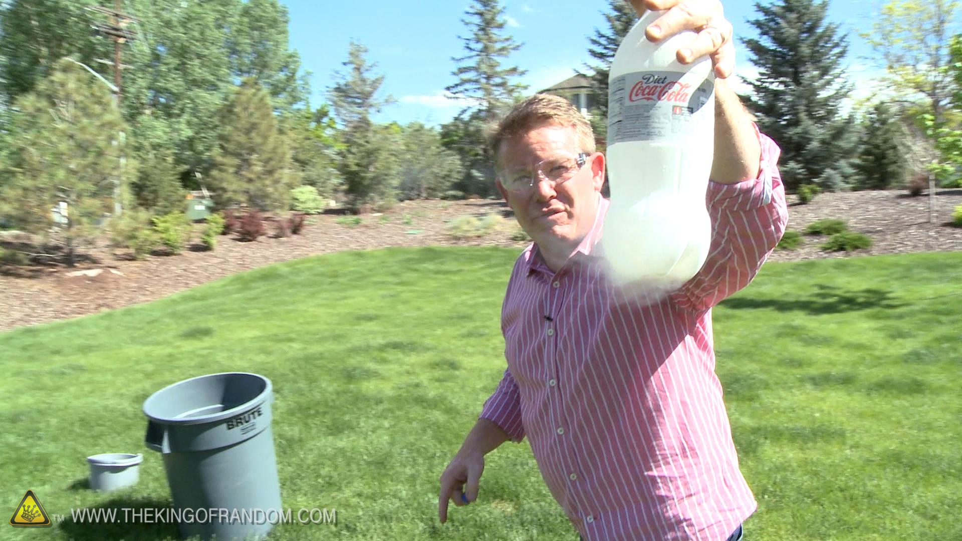 Picture of Trash Can Rocket - Steve Spangler