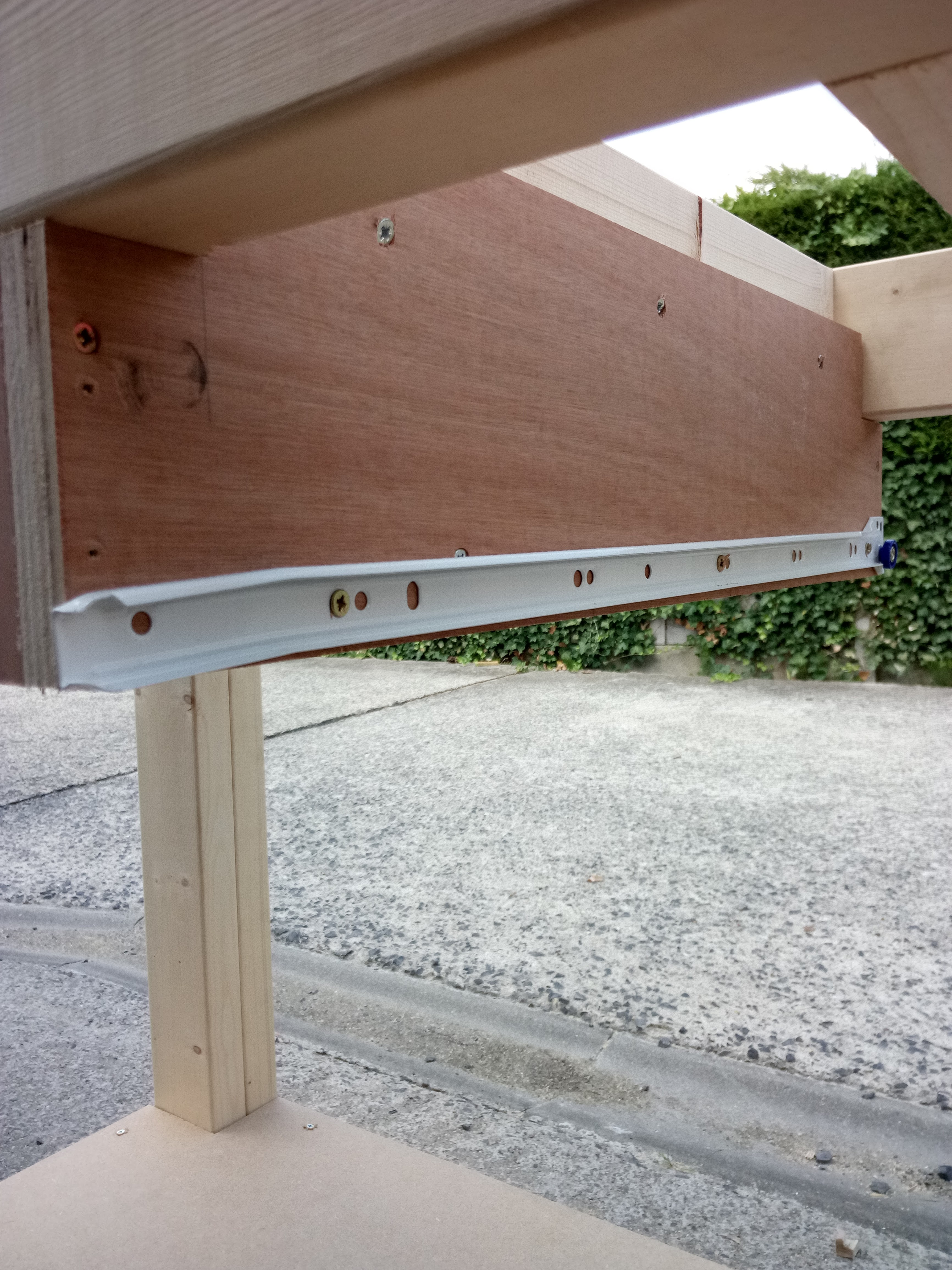 Picture of Drawer Supports