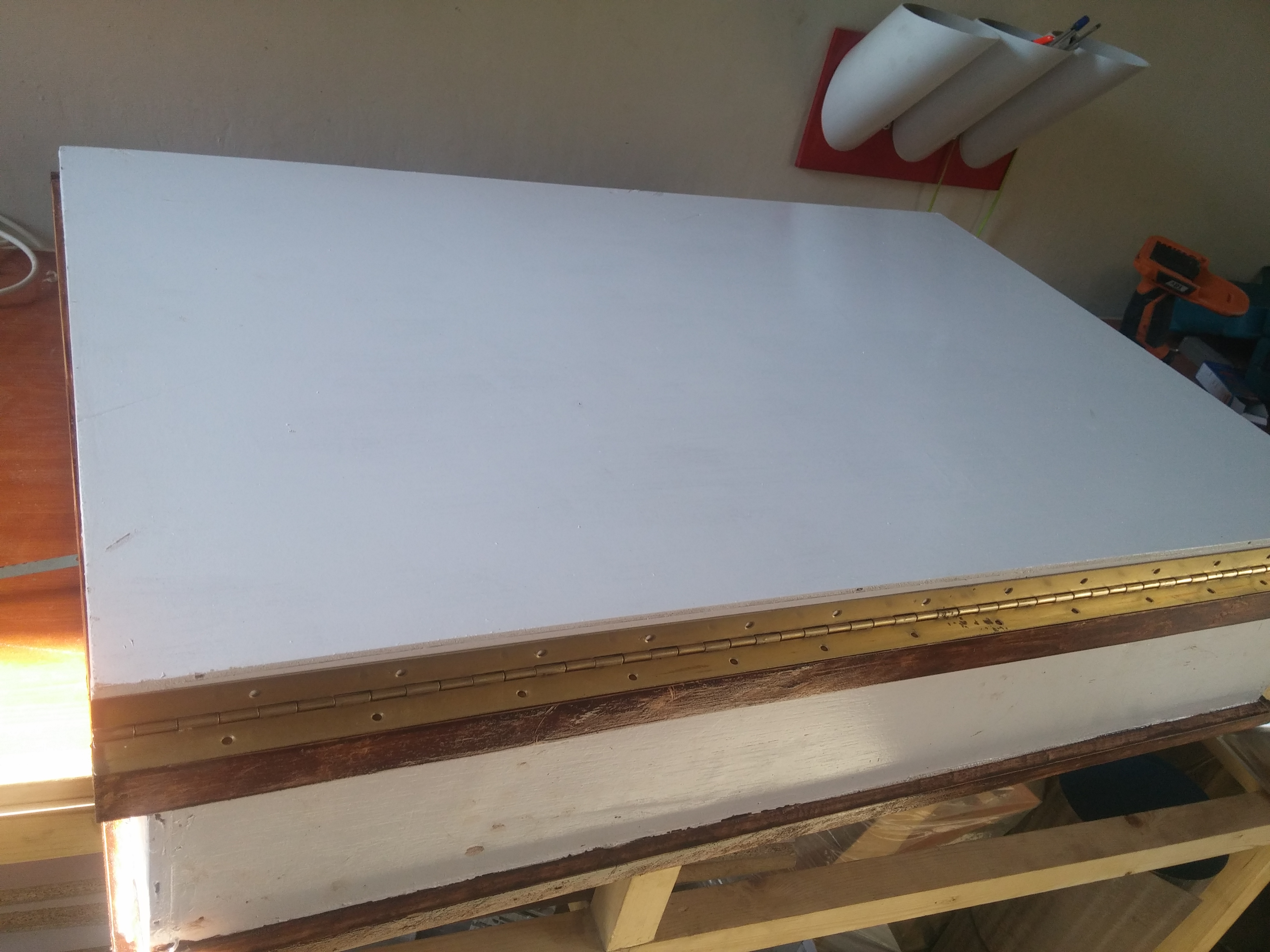 Picture of Joining the Table Top to the Main Box