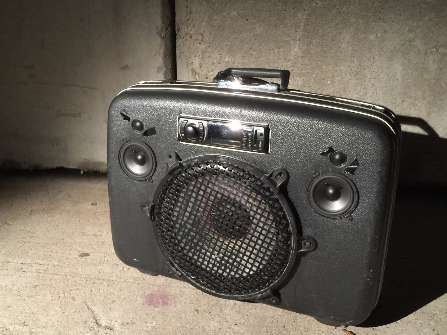 Picture of Upcycled Vintage Suitcase Boombox