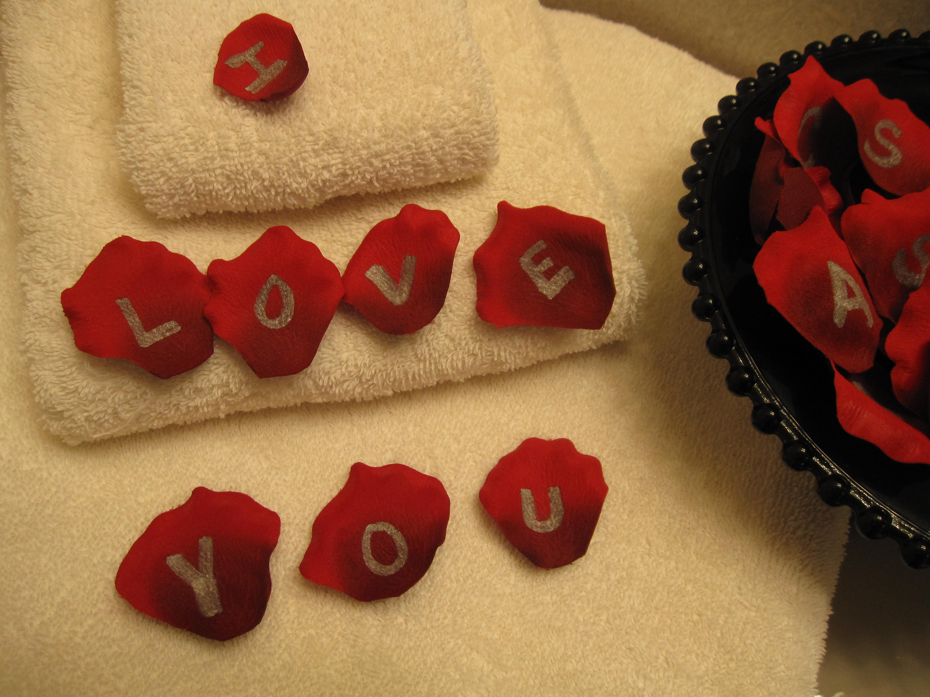 Picture of Rose Petal Love Notes
