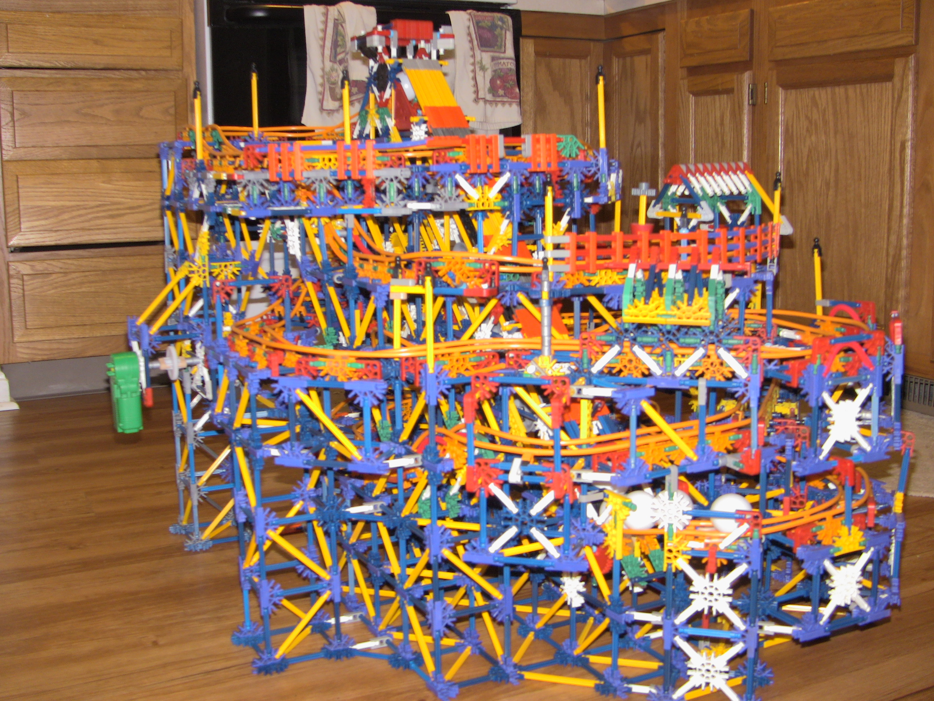 Picture of Knex Chinatown Hill Ball- Coaster Photos