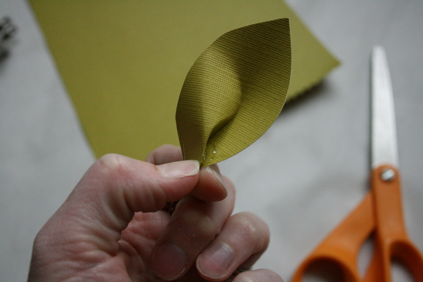 Picture of Fold Leaf