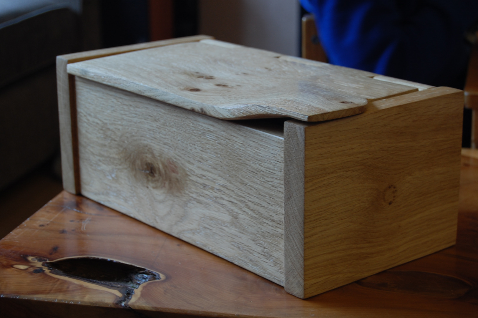 Picture of Jewelry Box With Intergral Hinge