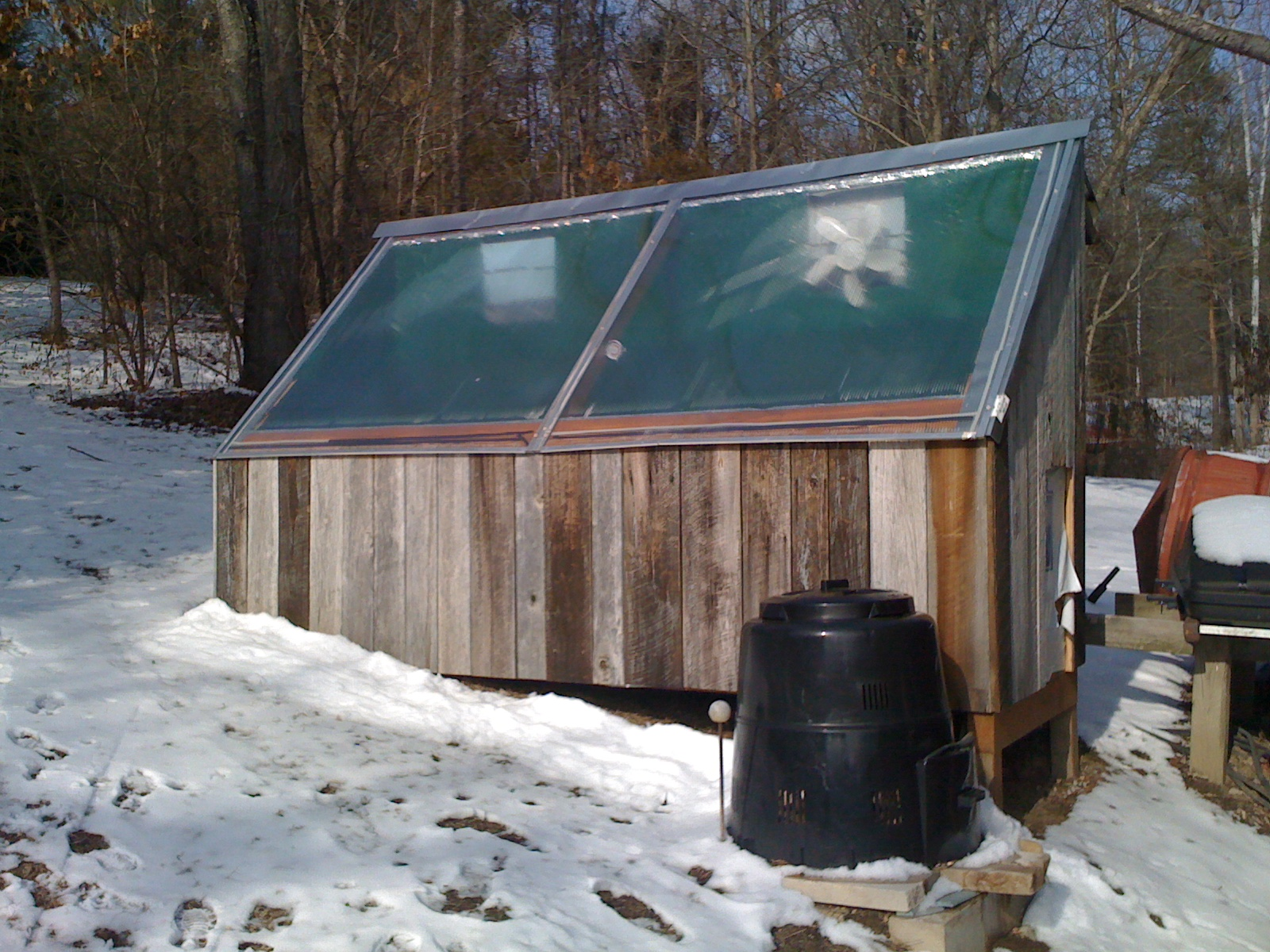 Picture of Solar Kiln - With Solar Panel and Revised for Correct Air Circulation