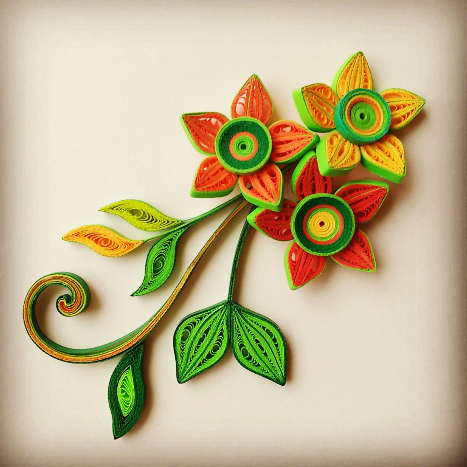 Picture of Gorgeous 3D Quilled Flowers and Leaves From Scratch!
