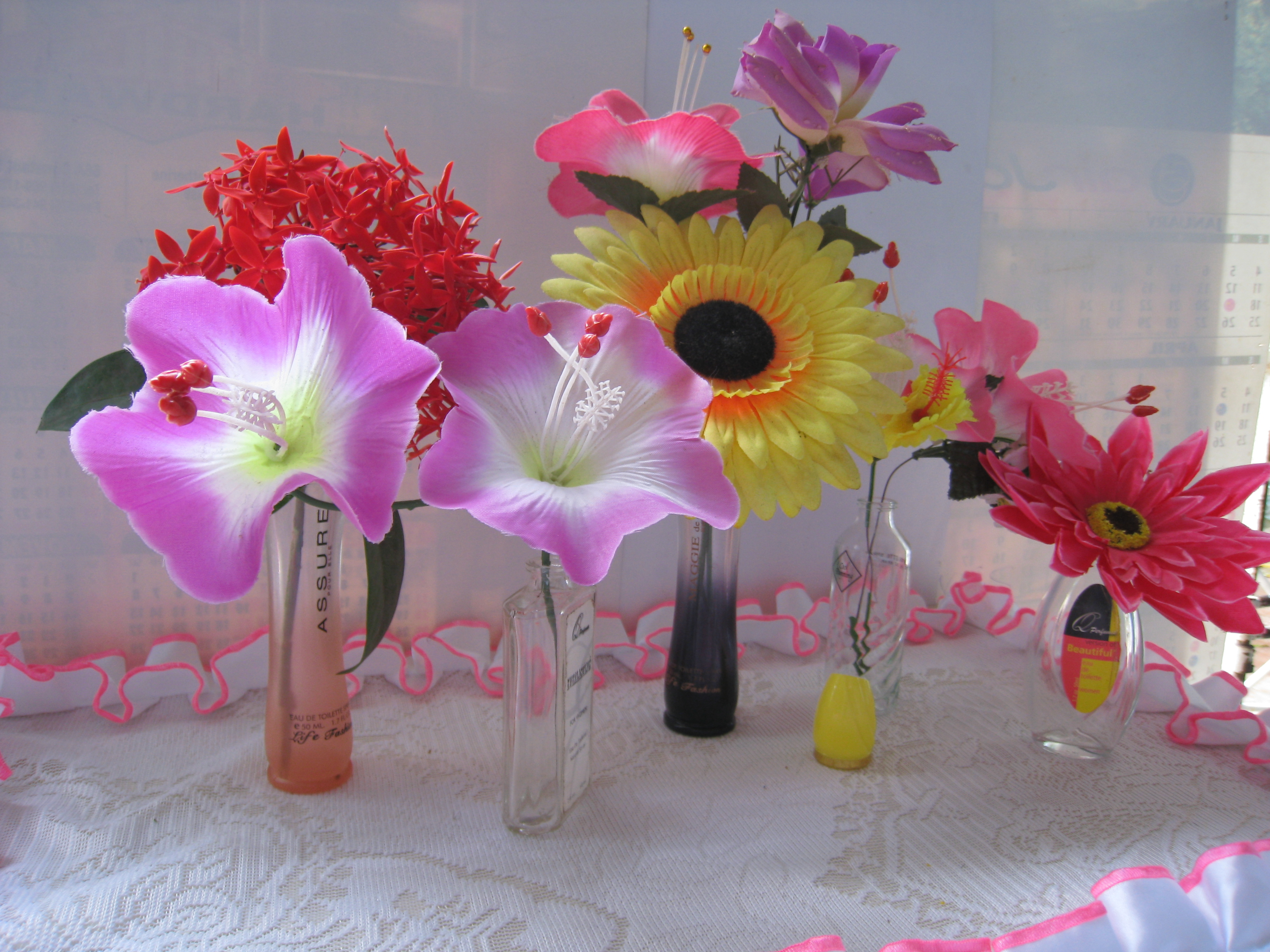Picture of Make a Fragrant Flowers Vase in 2 Mins