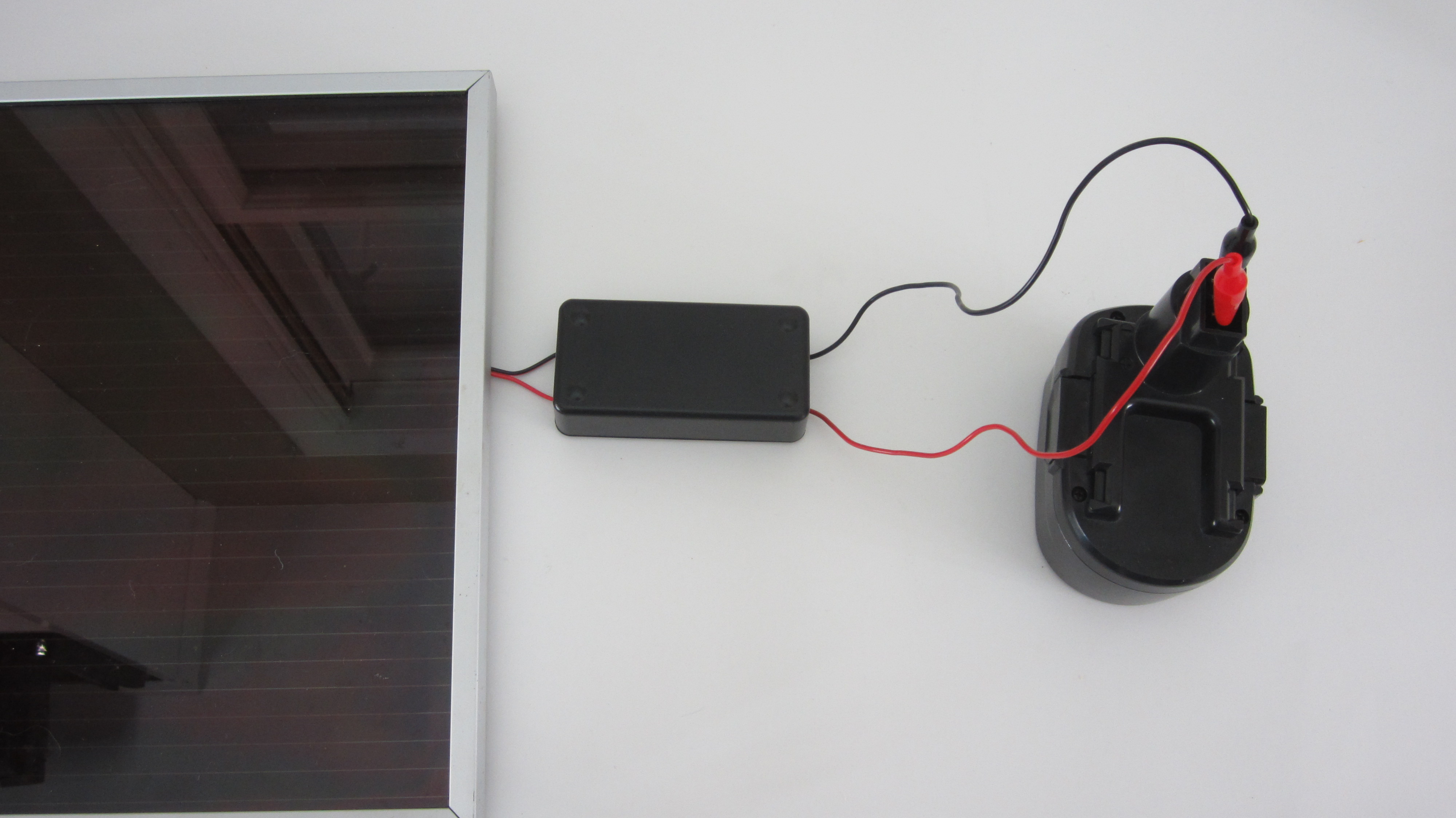 Picture of Hook Up Your Finished Solar Charger