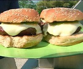 Green Chile Cheeseburgers