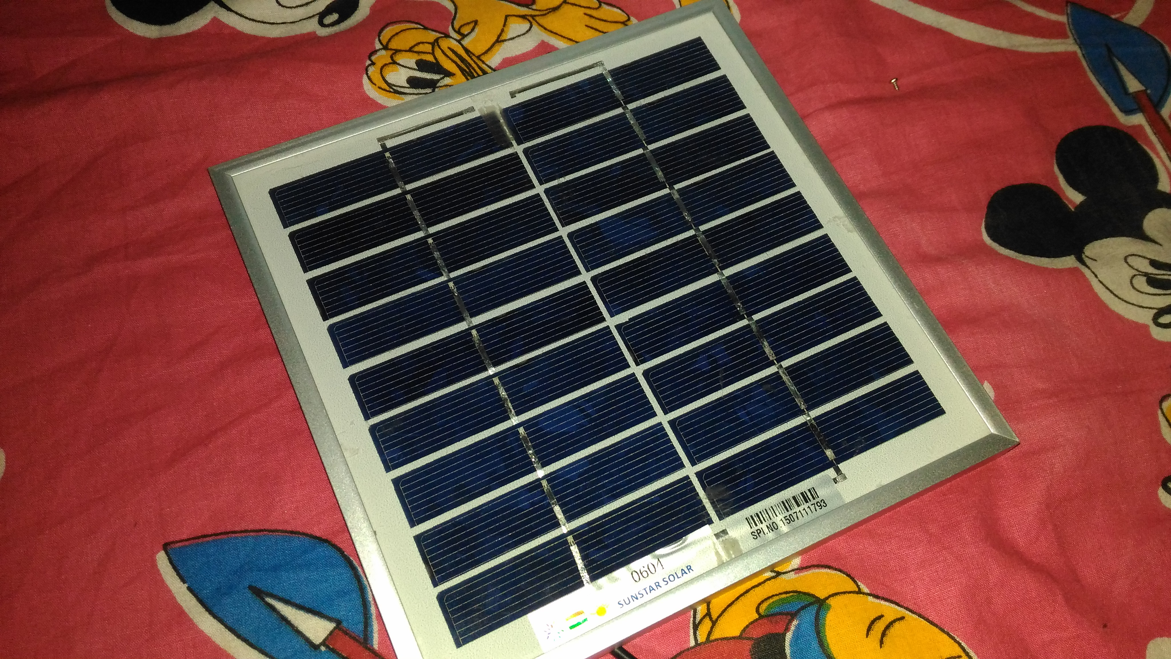 Picture of Solar Mobile Charger With Powerbank