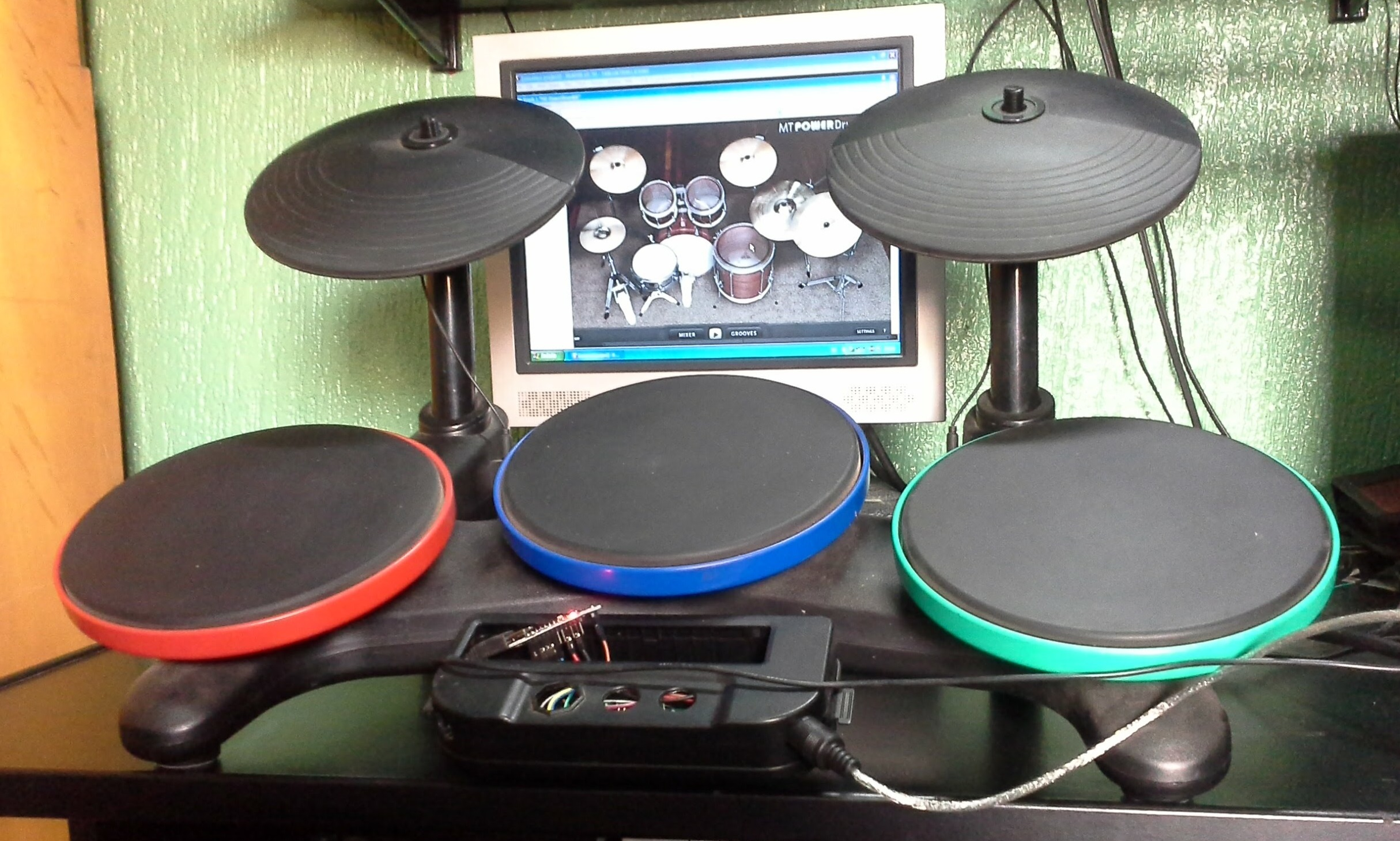 Picture of Arduino MIDI Drums (Wii Band Hero)+DAW+VST