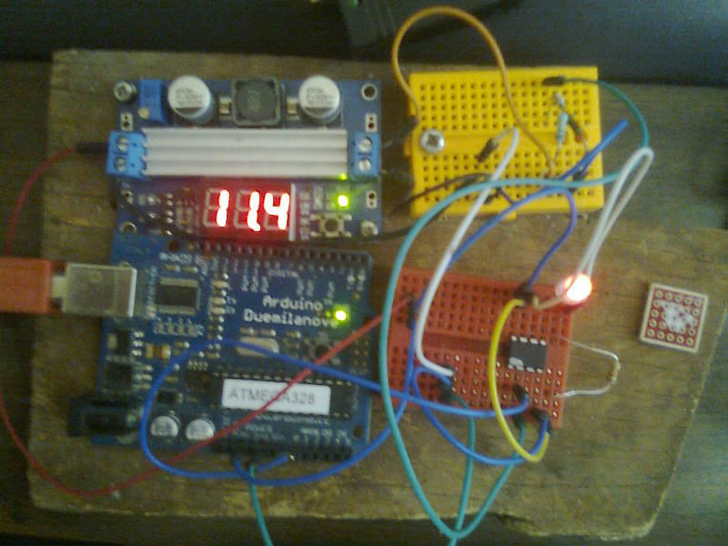 Picture of Voltage Monitor on RGB LED With ATTiny85