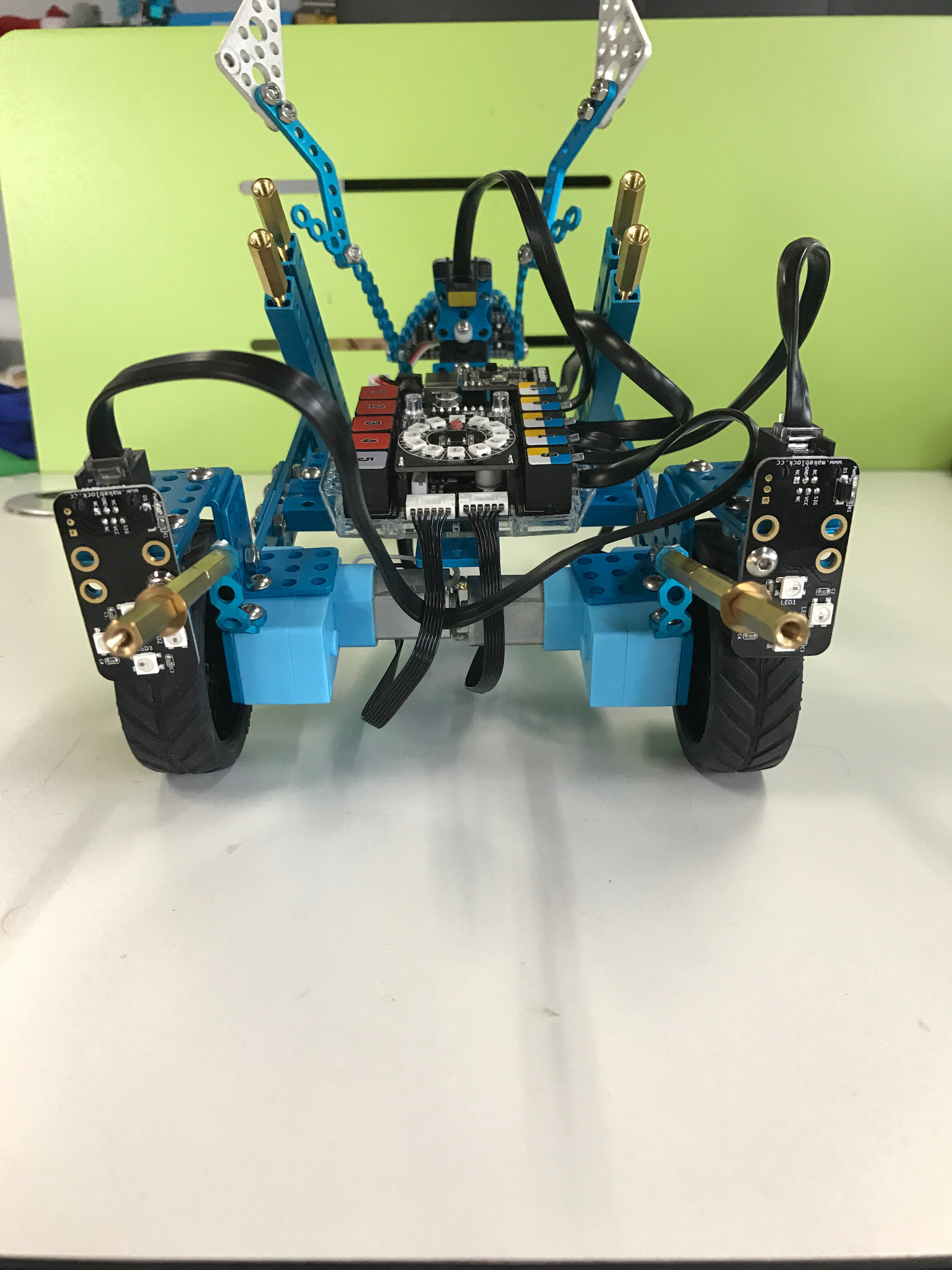Picture of How to Build a Motorbike With Makeblock