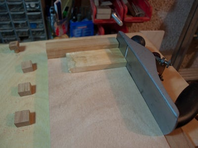 A Shooting Board / Sawing Guide