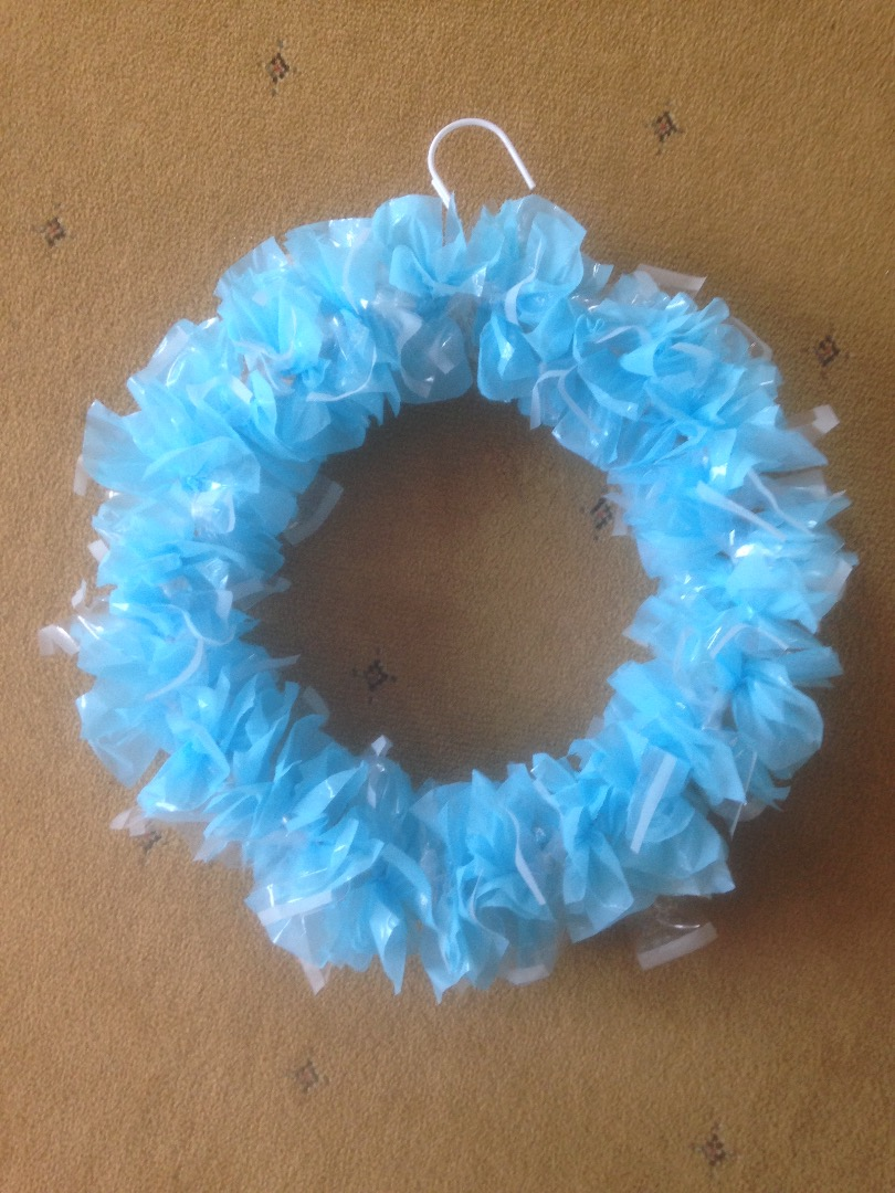 Picture of Crafty Wreath From Plastic Bags