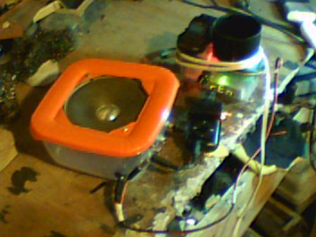 Whats for Lunch? Speaker on a Foodbox!