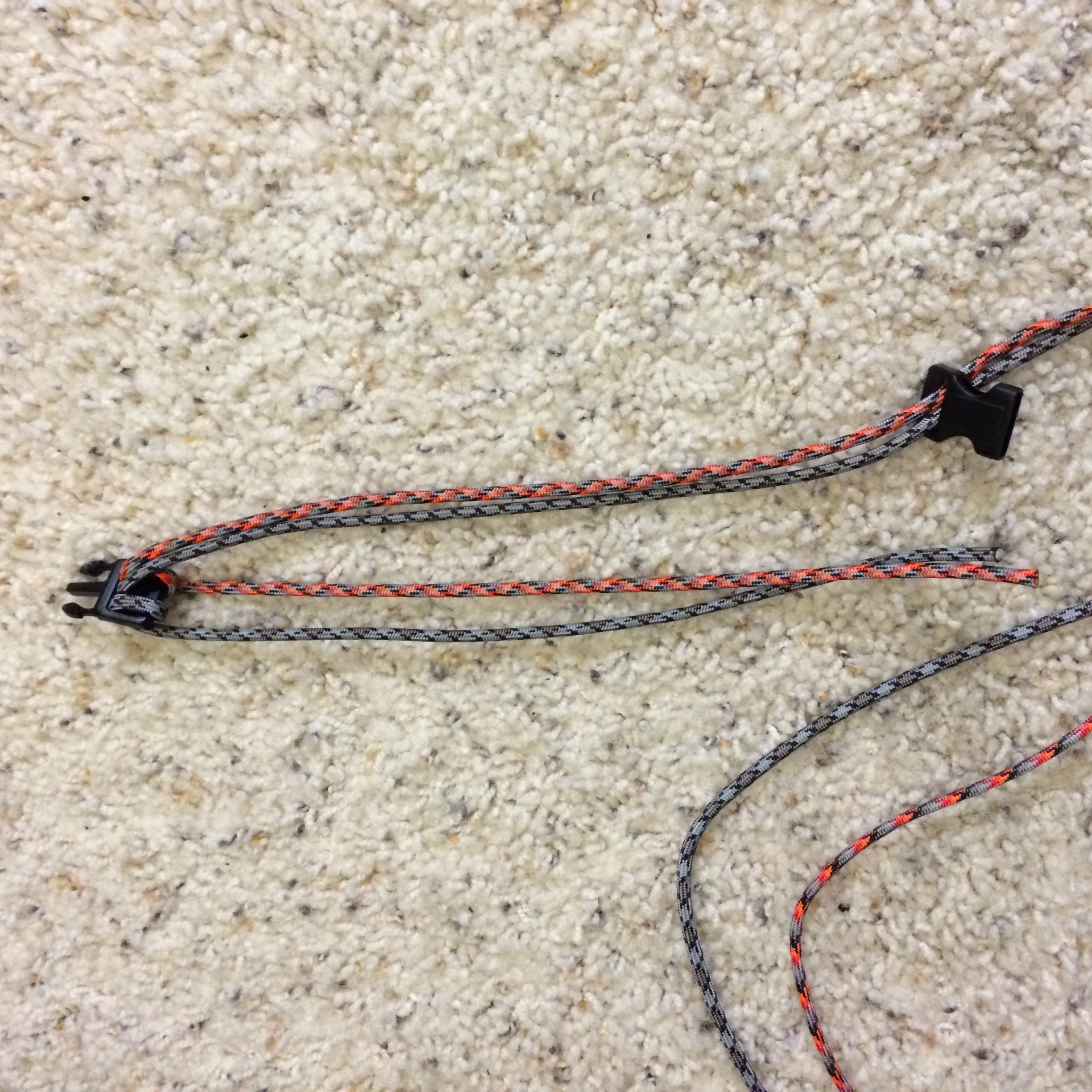 Picture of How to Make a Survival Bracelet - Step 1